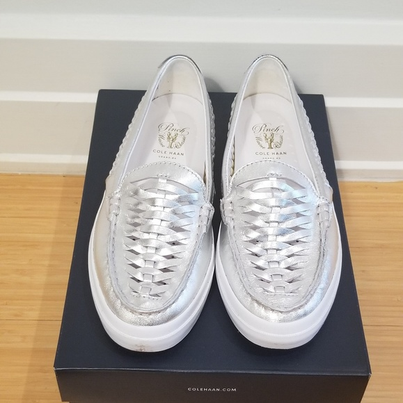 4051748ff4add Women s Pinch Weekender Silver Loafer Size 7M
